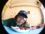 DJみそしるとMCごはん、本日7/25リリースのニュー・ミニ・アルバム『エプロンボーイのさしすせそ』より「甘辛MCバトル ~たまご焼き編~」MV公開