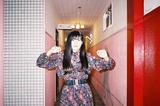 浜松在住の現役女子大生SSW 鈴、9/26に初フル・アルバムをリリース決定。本日8/3第3弾デジタル・シングル「雨の日」リリースも