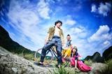モーモールルギャバン、9/26リリースのニュー・ミニ・アルバム『IMPERIAL BLUE』ジャケ写&新アー写公開