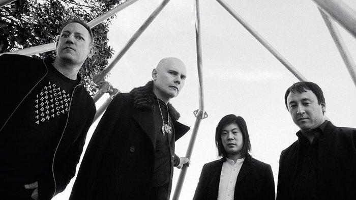 オリジナル・メンバー3名が再集結したTHE SMASHING PUMPKINS、ニュー・アルバム11/16リリース決定。新曲「Silvery Sometimes (Ghosts)」リリック・ビデオ公開も