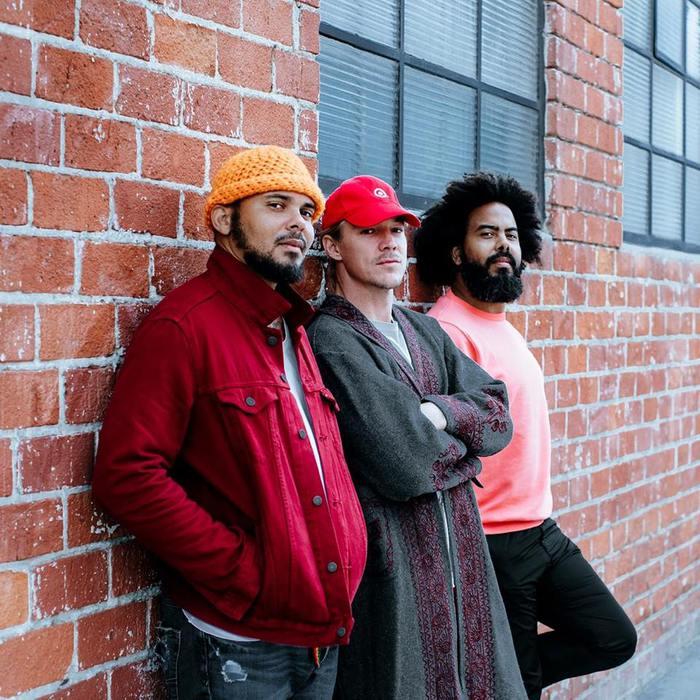 MAJOR LAZER、Tove Loをフィーチャリングに迎えた新曲「Blow That Smoke」リリック・ビデオ公開。本日10/18より配信スタート