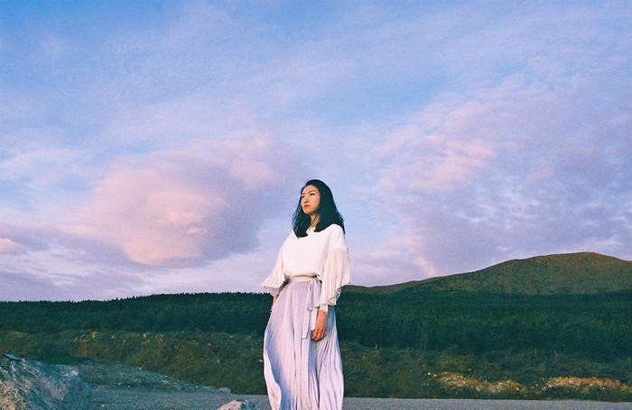 ピアノ弾き語りシンガー・ソングライター 日食なつこ、来年1月リリースのニュー・アルバム『永久凍土』タスマン氷河で撮影したアートワーク公開