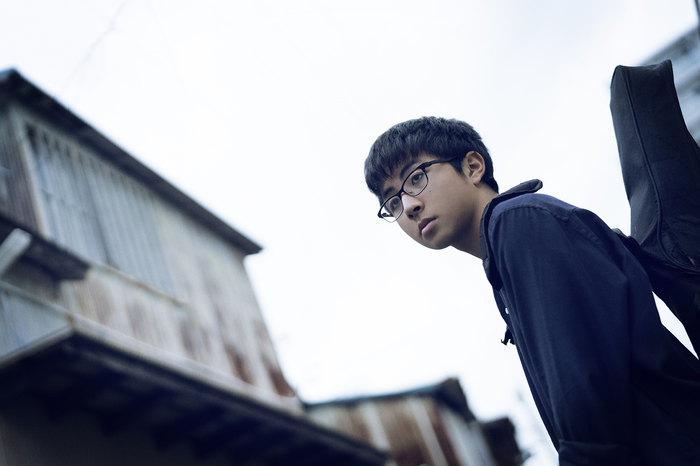 高校生シンガー・ソングライター 崎山蒼志、本日12/5リリースの1stアルバム『いつかみた国』より「国」MV公開。アルバム特設サイトもオープン