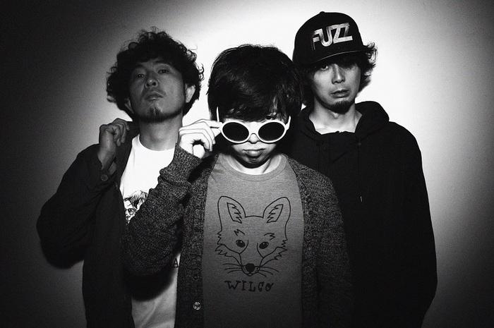 moke(s)、2/13リリースの2ndミニ・アルバム『GIVE MORE GEAR』より「デスバイサウンド」MV公開