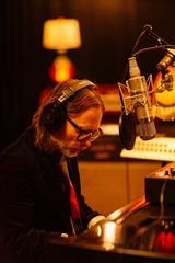 Thom Yorke(RADIOHEAD)、「Suspirium」&「Unmade」&「Bloom」スタジオ・ライヴ映像を一挙公開。2/22よりニューEP配信リリースも