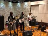 """GIRLFRIEND、2/27リリースの4thシングル表題曲「ヒロインになりたい」が日本テレビ系""""バズリズム02""""3月EDテーマに決定。7/21恵比寿LIQUIDROOMにて自身最大規模ワンマン・ライヴ開催も"""