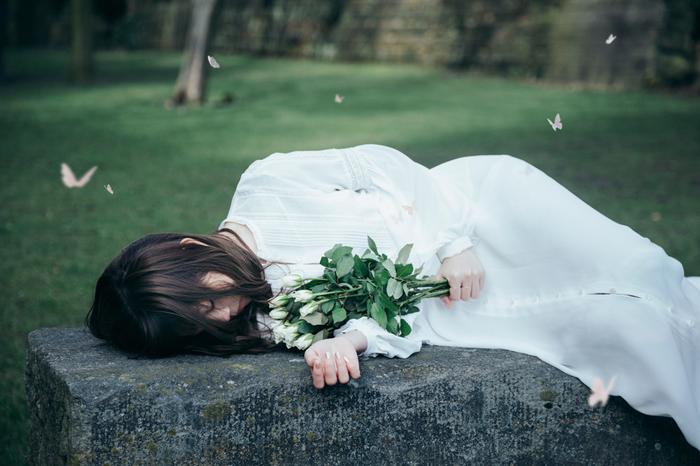 "Aimer、新曲「April Showers」が広瀬すず出演""earth music&ecology""CMソングに決定"