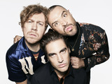 BUSTED、ニュー・アルバム『Half Way There』より「Shipwrecked In Atlantis」MV公開