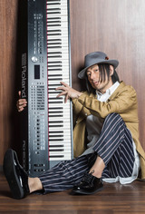 ピアノ・インスト・シーンの風雲児 ADAM at、アジカン伊地知 潔(Dr)やSECRET 7 LINEら多彩なゲスト迎えたニュー・アルバム『トワイライトシンドローム』6/19リリース決定