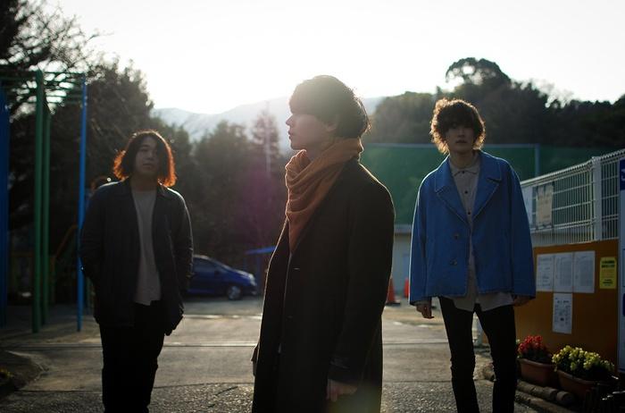 "Absolute area、4/24リリースのニュー・ミニ・アルバム『無限遠点』より「Girl」MV公開。村濱 遥、相笠 萌、かほこ。、やぶちん他""いまを彩るガール""が多数出演"