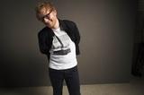 Ed Sheeran、最新アルバム『÷』より漫画家 ほしよりこが手掛けた「Supermarket Flowers」アニメーションMV公開