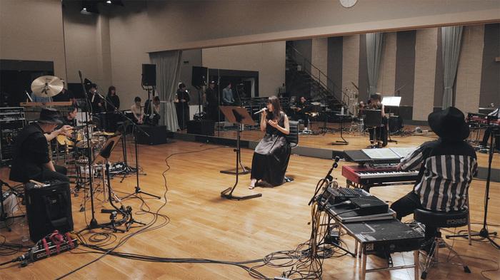 Aimer、ニュー・アルバム『Sun Dance』より新曲「コイワズライ」ライヴ・リハーサル映像公開