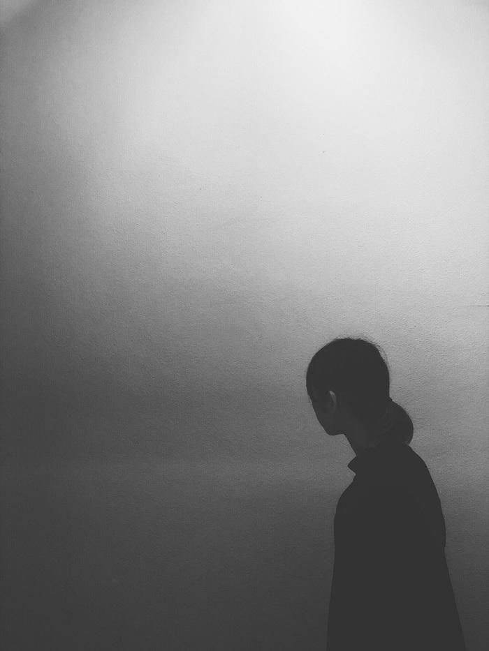 長野発の映像作家/デザイナー/エレクトロSSW doodl、ソロ・プロジェクト開始を発表。亡き友人に向けた「漂砂」初MV公開