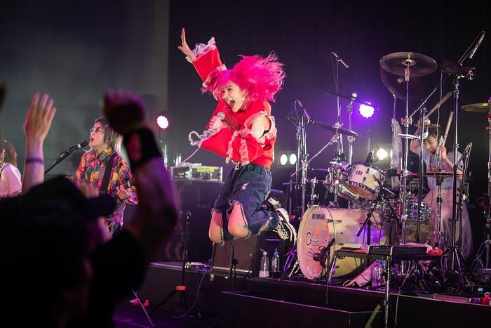 Gacharic Spin、音楽未経験JK アンジェリーナ1/3(Mic Performer)加入後3ヶ月の新体制初ワンマンより「逆境ヒーロー」、「LosT AngeL」ライヴ映像公開