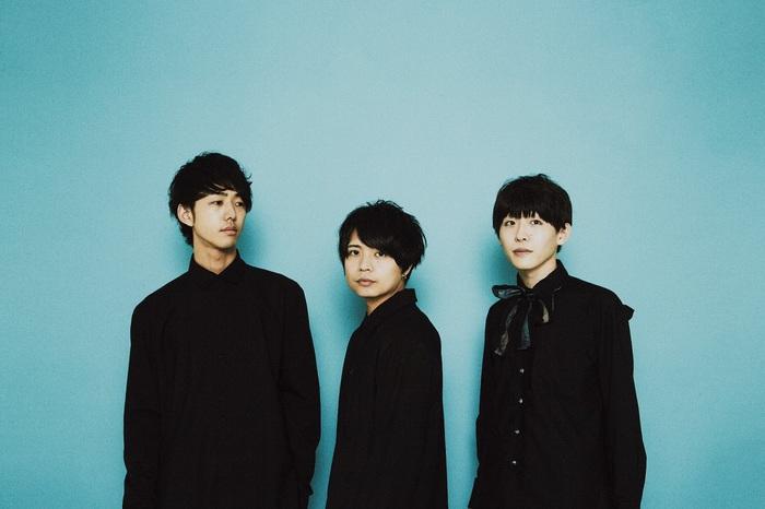 独創的なサウンドと歌詞が特徴的な3人組ロック・バンド popoq、明日7/10リリースの1stミニ・アルバム『Essence』より「solaris」MV公開