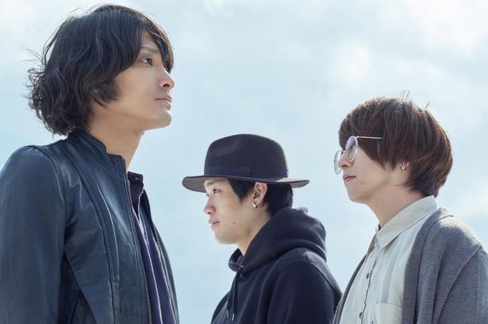 岩手県出身3ピース・ロック・バンド SWANKY DOGS、7/10リリースのニュー・アルバム『Light』より「花火」先行配信