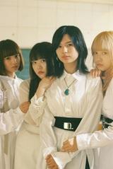 "GIRLFRIEND、8/28リリースのTVアニメ""ブラッククローバー""OPテーマ「sky & blue」MV(Short Ver.)公開。新ヴィジュアル&ジャケット写真も"