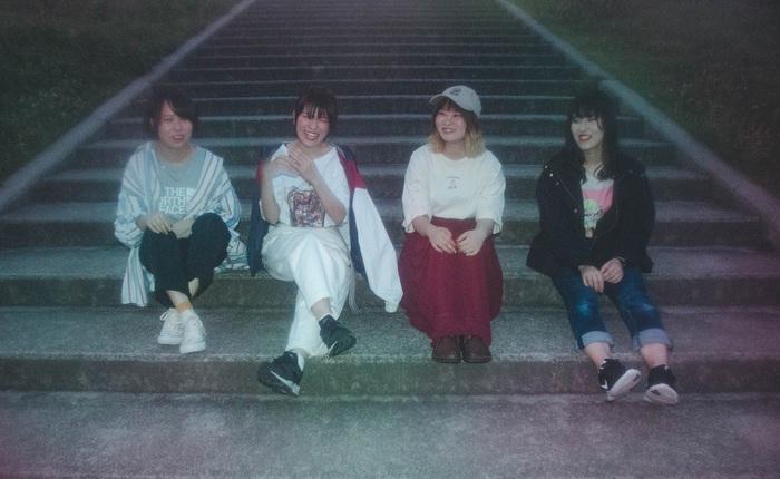 奈良発ロック・バンド Split end、10/2リリースのミニ・アルバムより粟子真行(ココロオークション)参加の表題曲「deep love」MV公開。せとゆいか(Saucy Dog)からコメントも