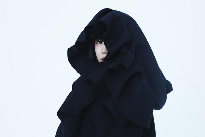"""やくしまるえつこ、""""わたしは人類""""を森美術館&金沢21世紀美術館でダブル展示決定"""