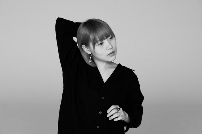 塩入冬湖(FINLANDS)、ソロ・ミニ・アルバム『惚けて』より「old crime」MV公開