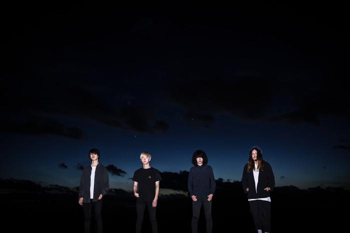 WOMCADOLE、ユニバーサルミュージックよりメジャー・デビュー・アルバム『黎明プルメリア』11/20リリース&ツアー全日程を発表。初回盤DVDより「アオキハルヘ」ライヴ映像公開