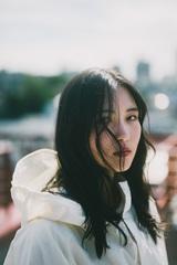 """女子高生シンガー・ソングライター 琴音、11/20リリースの2ndシングル表題曲「白く塗りつぶせ」MV(80""""Ver.)公開"""