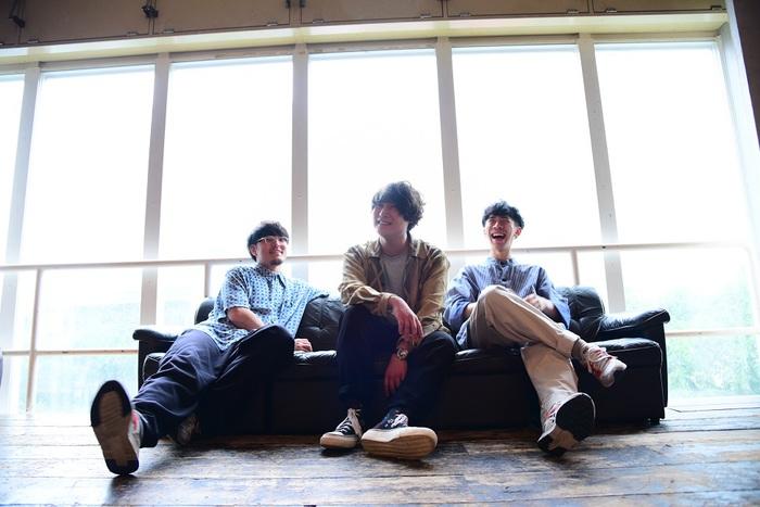 "The Floor、12/4リリースの2ndアルバム『nest』収録曲発表。対バン・ツアー""Build-ing""名古屋編、札幌編ゲストにSlimcatが決定"