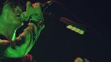 ヒトリエ、11/4リリースの未発表ライヴ映像作品から「アンハッピーリフレイン」公開。wowakaのボーカロイド曲をバンドとして初めて映像化