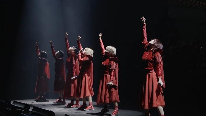 """BiSH、即完の大阪城ホール公演""""And yet BiSH moves.""""映像作品が1/15リリース決定。「オーケストラ」ライヴ映像をフル公開"""