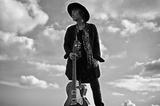 """チバユウスケ(The Birthday)のソロ・プロジェクト""""YUSUKE CHIBA-SNAKE ON THE BEACH-""""、11/27リリースの新作『潮騒』より「予兆」MV(Short Ver.)公開"""