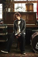 """山本彩、12/25リリースの初オリジナル・アルバムのタイトルが""""α""""に決定。最新ヴィジュアル、ジャケットも公開"""
