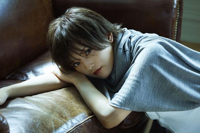 """山本彩、11/20リリースの3rdシングル表題曲「追憶の光」MV公開。表情や演出で""""儚さ""""を表現した映像作品に"""