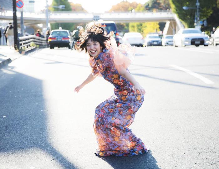永原真夏、新体制によるデジタル・シングル「おはよう世界」リリース