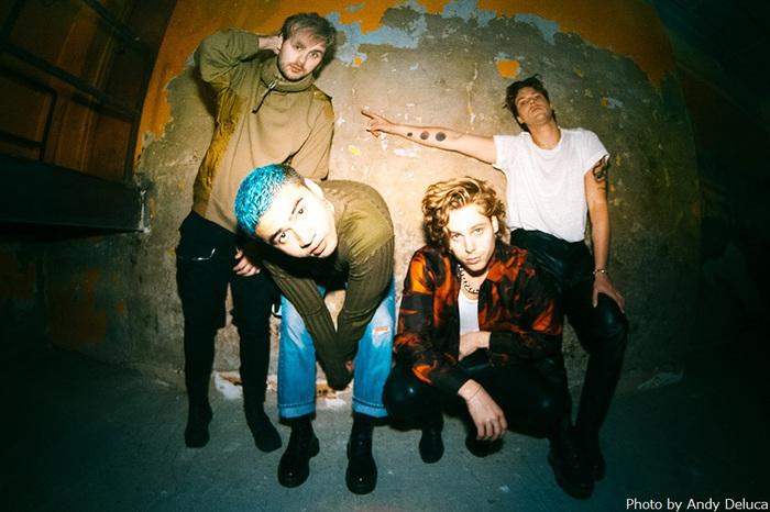 5 SECONDS OF SUMMER、約2年ぶりニュー・アルバム『C A L M』3/27リリース決定。先行シングル「No Shame」解禁