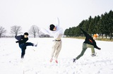"""北海道在住の3ピース・ロック・バンド KALMA、新曲「TEEN」リリック・ビデオ制作企画で """"青春""""や""""ティーン""""をテーマにした写真募集。インストア・イベントも開催決定"""