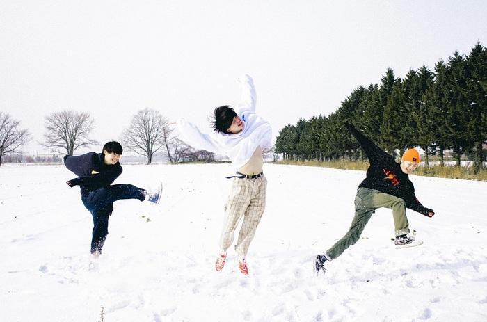 北海道在住の3ピース・ロック・バンド KALMA、3/4リリースのメジャー・デビュー・ミニ・アルバム『TEEN TEEN TEEN』ティーザー映像公開