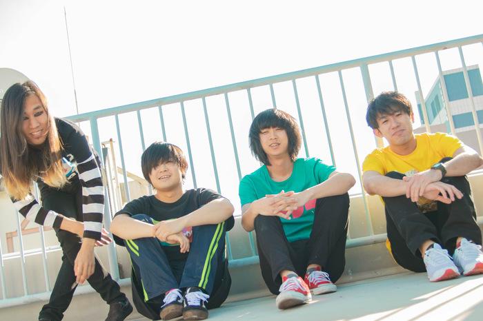平成最後の青春パンク・バンド 古墳シスターズ、4/1リリースのデビュー・フル・アルバム『スチューデント』ジャケット公開。ツアー・ゲストも一部発表