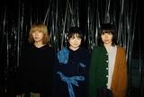 リーガルリリー、本日2/5リリースの1stフル・アルバム『bedtime story』より「ハンシー」MV公開。新進気鋭の女優 小西桜子が出演