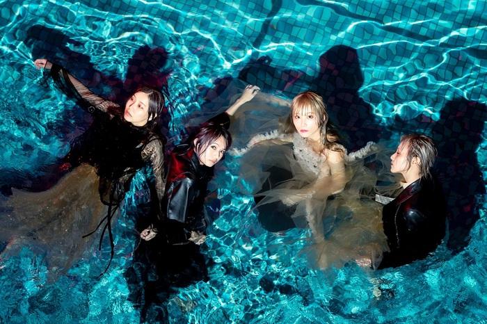 SCANDAL、2年ぶり北米公演決定。ニュー・アルバム『Kiss from the darkness』引っ提げたワールド・ツアー追加公演発表