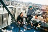 """原田茂之(Vo/Gt)、森 夏彦(Ba)、諸石和馬(Dr)によるメンズ・ポップ3人組バンド""""Weekend Brothers""""、2ndデジタル・シングル「Take It Easy」リリース。インスタ・ライヴにてトーク&ミニ・ライヴも"""