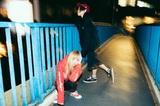 MOSHIMO、本日3/18リリースのニュー・アルバム『噛む』より「シンクロ」MV公開