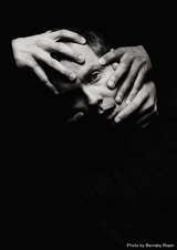 Jónsi(SIGUR RÓS)、共同プロデュースにA. G. Cookを迎えた0年ぶりのソロ新曲「Exhale」配信リリース。コレオグラフィMVも公開