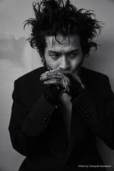 常田大希(King Gnu)、NYでチェロ演奏披露したショー・ミュージック『N.HOOLYWOOD COMPILE IN NEWYORK COLLECTION』リリースに先立ちMV公開