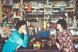 カミナリグモ、アルバム『SCRAPPY JEWELRY』より「手品の続き」MV公開。REC参加の神田雄一朗(鶴)、菅野信昭(FoZZtone)らとのエピソードを特設サイトにて掲載も