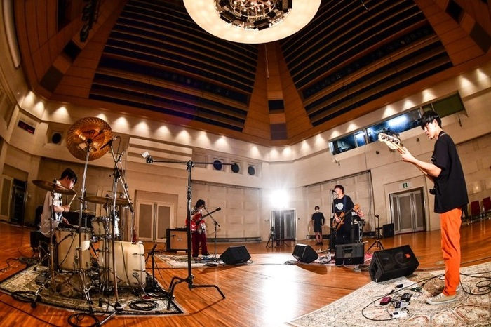 """kobore、8/6に出演した""""SCHOOL OF LOCK!""""特大音楽室のライヴより「ヨルノカタスミ」&「幸せ」映像公開"""