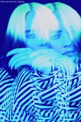 "Billie Eilish、自身のドキュメンタリー映画""The World's A Little Blurry""来年2月に公開決定。ティーザー映像解禁"