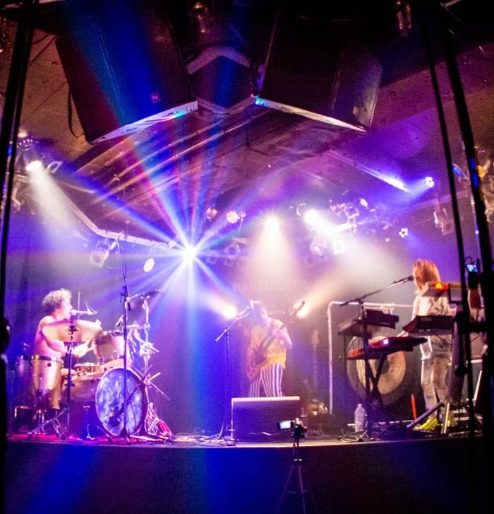 """モーモールルギャバン、ゲイリー・ビッチェ40歳を祝うワンマン・ライヴを12/9開催。ゲイリーのソロ名義""""ヤジマX""""新曲MVも公開"""