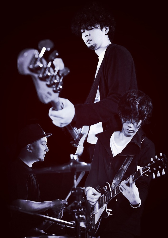 """LOST IN TIME、HUSKING BEEを招いて12/20に新代田FEVERにて""""大岡源一郎 40th Birthday Special!!""""ライヴ開催決定"""