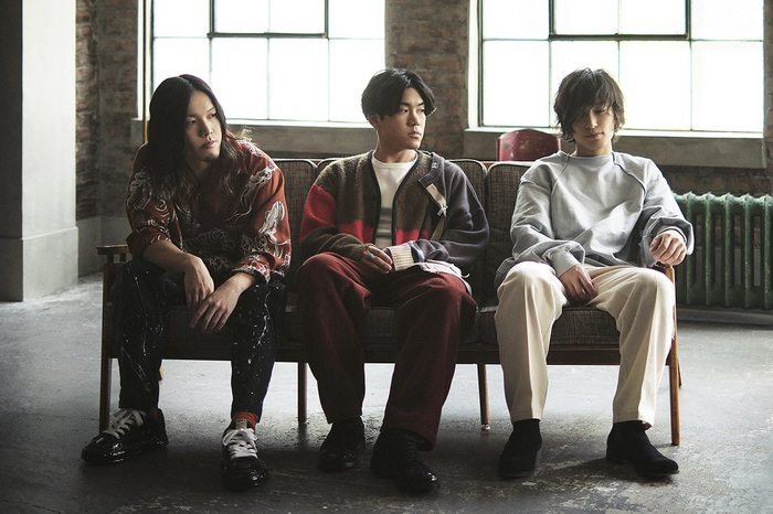 reGretGirl、1stアルバム『カーテンコール』で来年1/27メジャー・デビュー決定