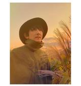 真鍋吉明(the pillows)参加。AKIRA WILSON(SIDE-ONE/HARISS)、アルバムより先行配信シングル「風に吹かれて」12/25リリース